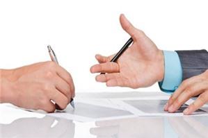 Khi bên đề nghị giao kết hợp đồng chết thì đề nghị giao kết hợp đồng có còn giá trị hay không?