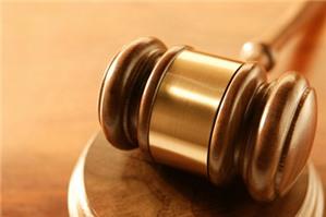 Ai phải nộp án phí  sơ thẩm và ai là người phải nộp tiền tạm ứng án phí sơ thẩm trong vụ án  hành chính?